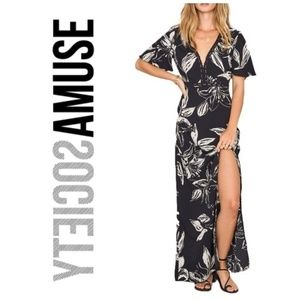 SocietyAmuse Seaside Floral Print Maxi Dress
